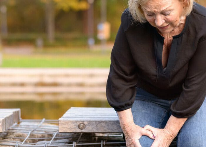 Living With Achy Hips and Knees? Kick Your Pain to the Curb with Physical Therapy